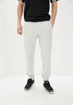 Брюки спортивные, adidas Originals, цвет: серый. Артикул: AD093EMHLDT3. Одежда / Брюки / Спортивные брюки