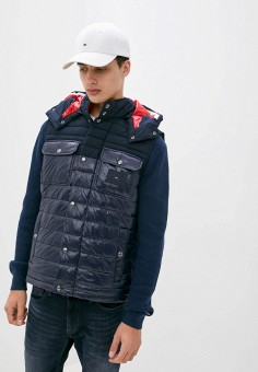 Жилет утепленный, Tommy Hilfiger, цвет: синий. Артикул: TO263EMJWOP0. Одежда / Верхняя одежда / Жилеты