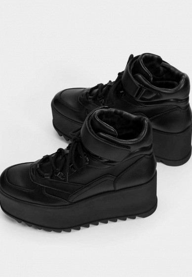 Кроссовки, Bershka, цвет: черный. Артикул: IX001XW00B0D. Обувь / Кроссовки и кеды / Кроссовки