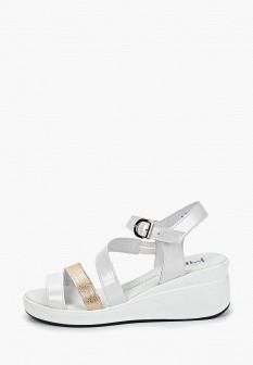 Женские белые лаковые босоножки на каблуке на платформе