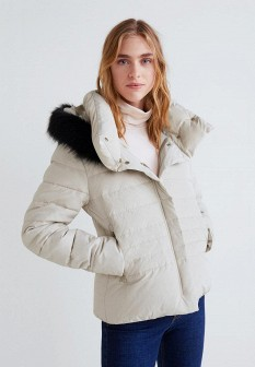 Женская белая утепленная куртка