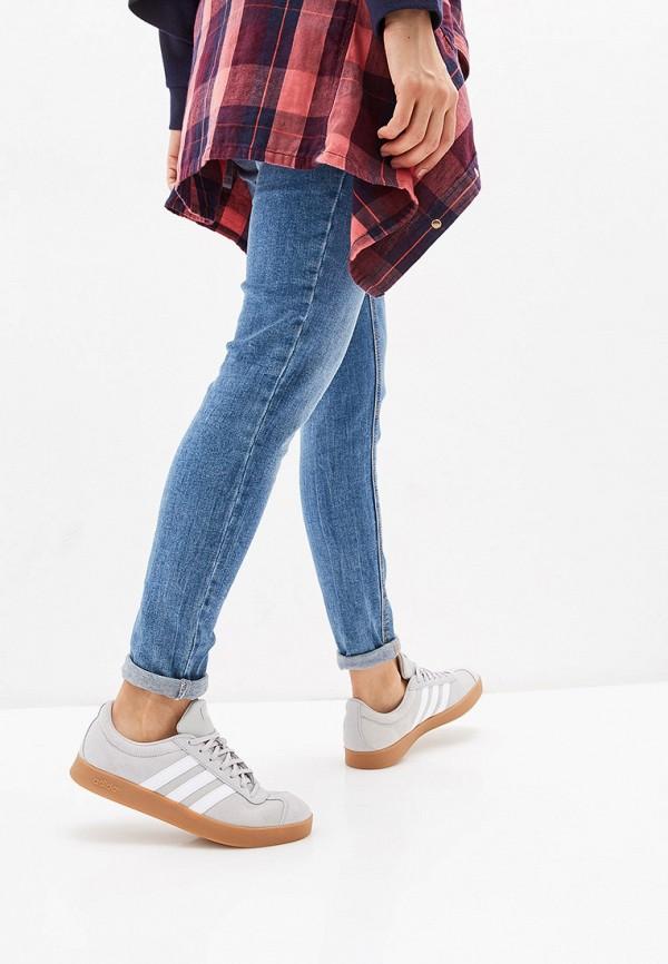 Фото 6 - женские кеды adidas серого цвета
