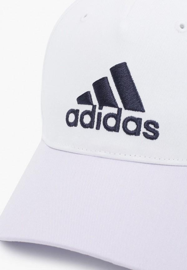 Фото 3 - Бейсболка adidas белого цвета
