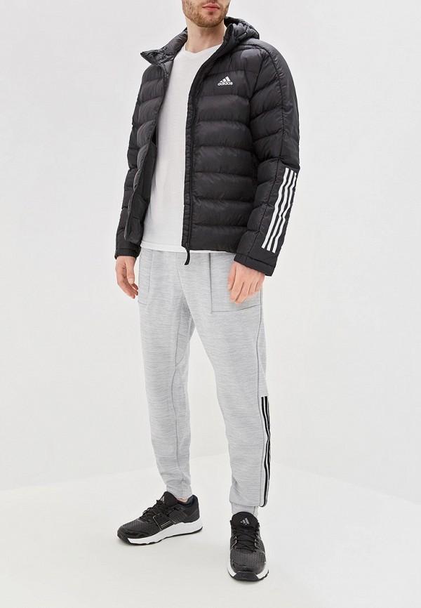 Фото 2 - Куртку утепленная adidas черного цвета