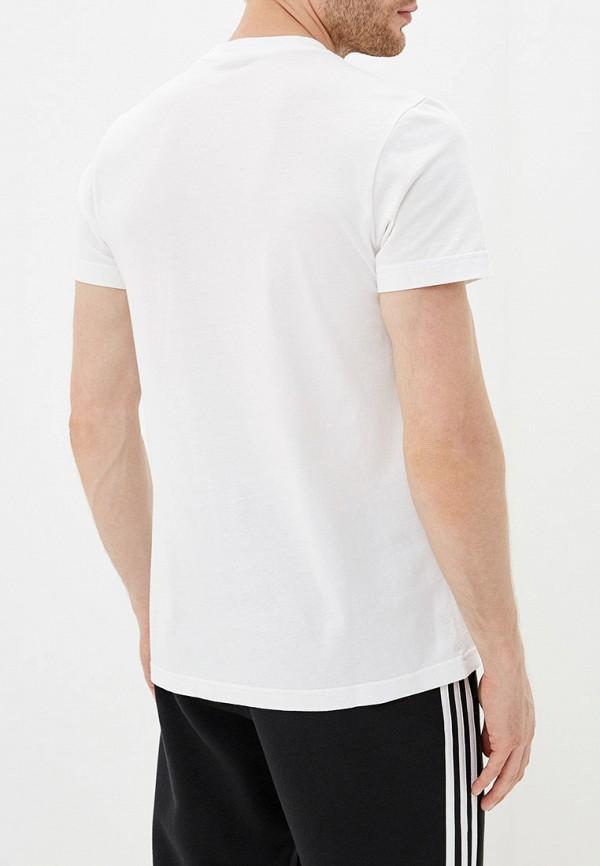 Фото 3 - Футболку adidas белого цвета