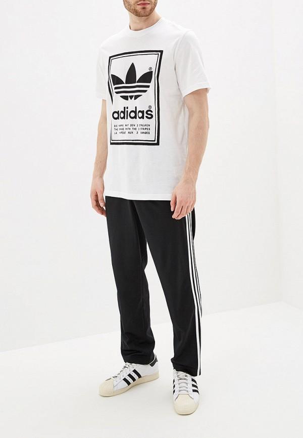 Фото 2 - мужскую футболку adidas Originals белого цвета