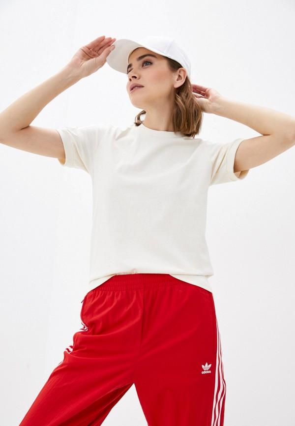 женская спортивные футболка adidas, бежевая