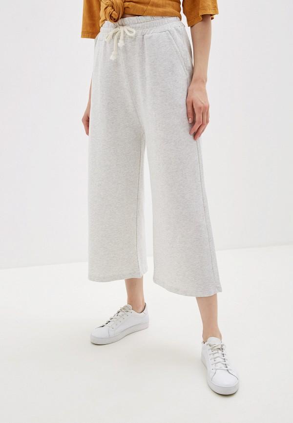 Фото - Женские брюки Alcott серого цвета