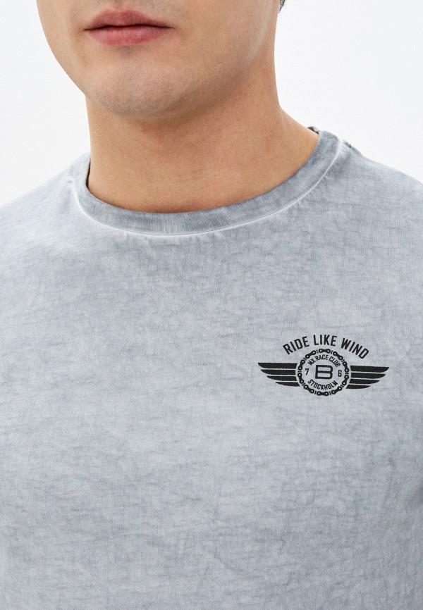 Фото 4 - Мужскую футболку Baon серого цвета