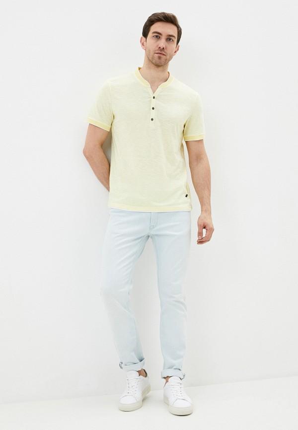 Фото 2 - Мужскую футболку Baon желтого цвета