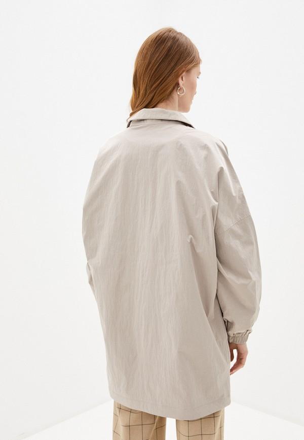 Фото 3 - Женское пальто или плащ Baon бежевого цвета