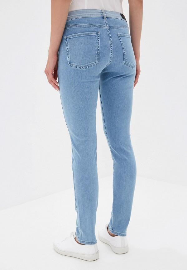 Фото 3 - женские джинсы Boss голубого цвета
