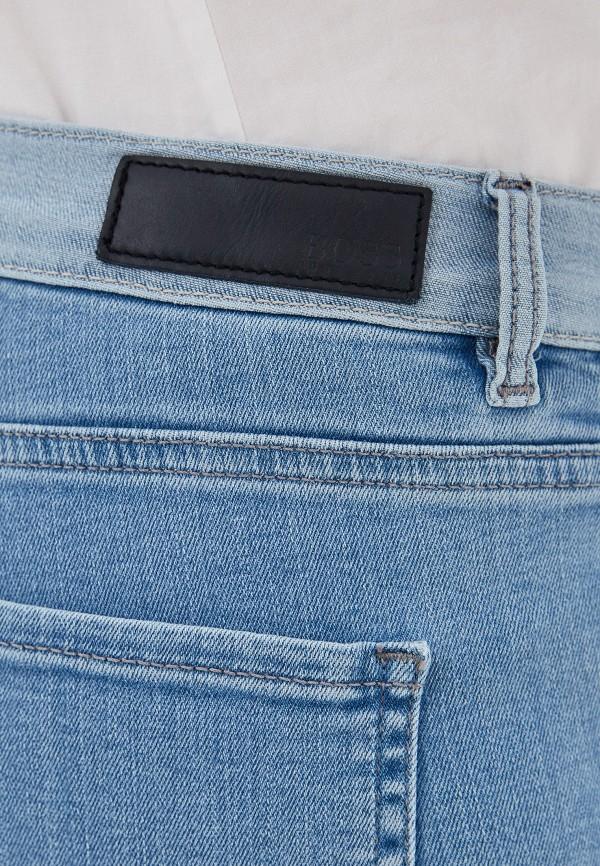 Фото 4 - женские джинсы Boss голубого цвета