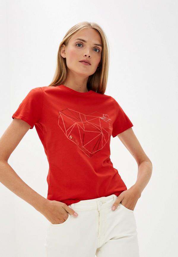 Фото - женскую футболку Boss Hugo Boss красного цвета