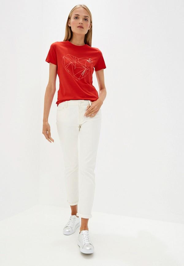 Фото 2 - женскую футболку Boss Hugo Boss красного цвета