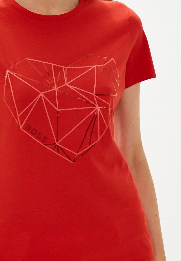 Фото 4 - женскую футболку Boss Hugo Boss красного цвета