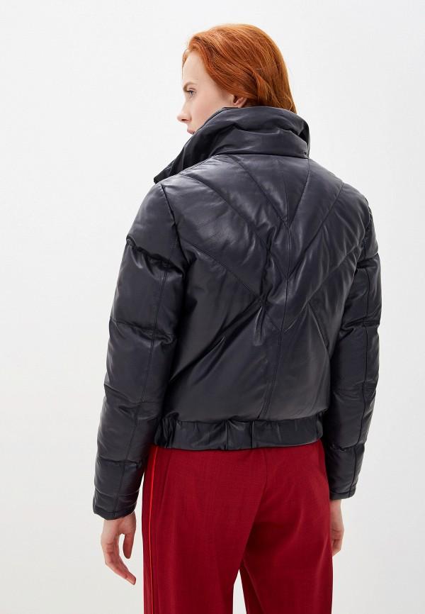 Фото 3 - Куртку кожаная Boss синего цвета