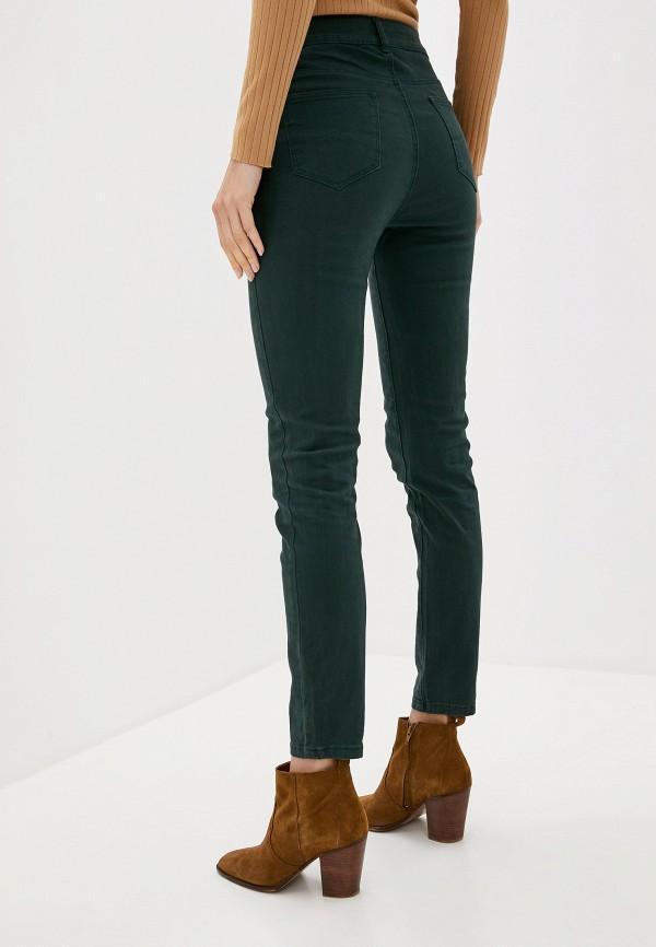 Фото 3 - женские брюки Bruebeck зеленого цвета
