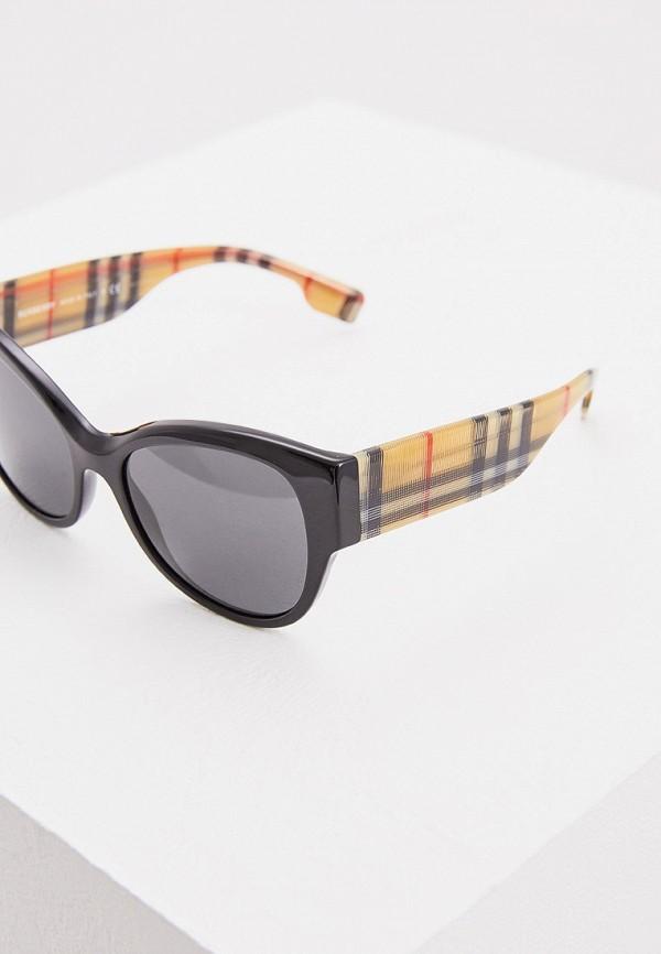 Фото 4 - Очки солнцезащитные Burberry черного цвета