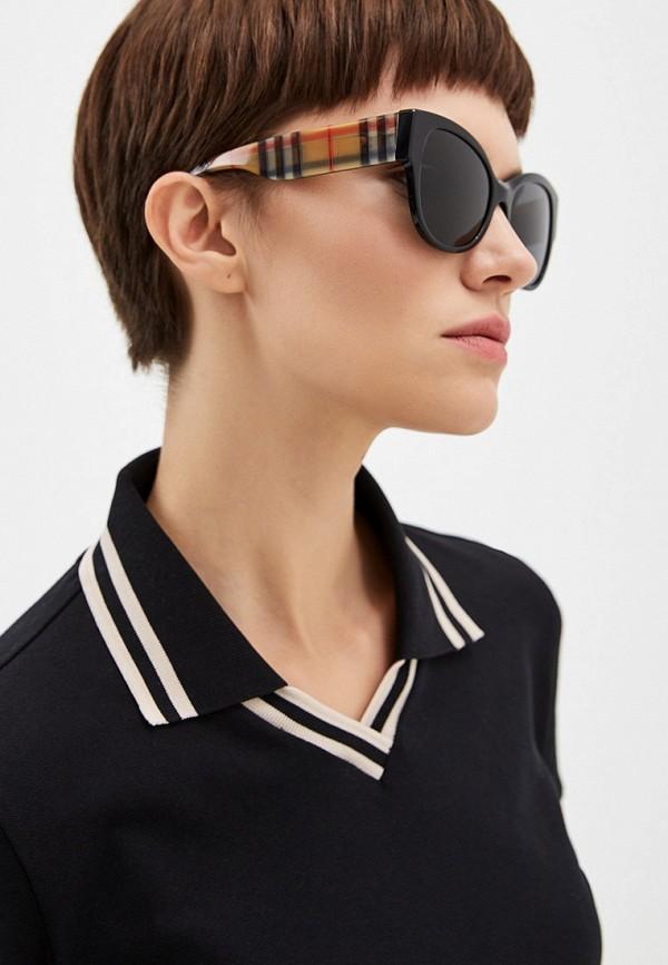 Фото 6 - Очки солнцезащитные Burberry черного цвета