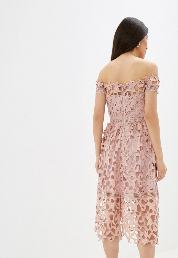 Фото 3 - женское вечернее платье Chi Chi London розового цвета