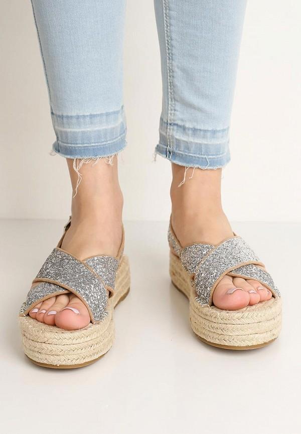 Фото 15 - женские сандали Corina серебрянного цвета