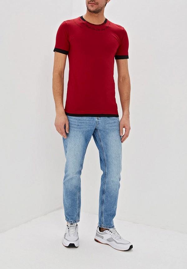 Фото 2 - мужскую футболку Dali бордового цвета