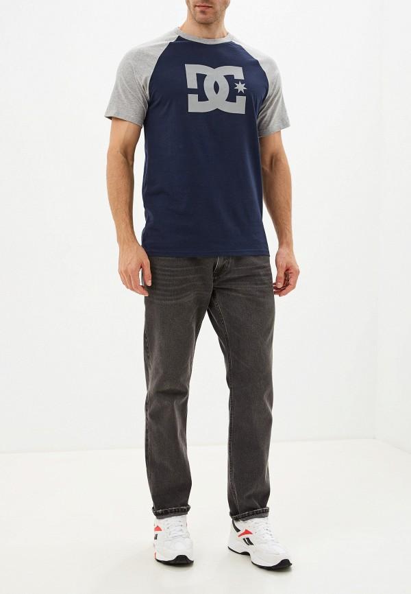 Фото 2 - мужскую футболку DC Shoes синего цвета