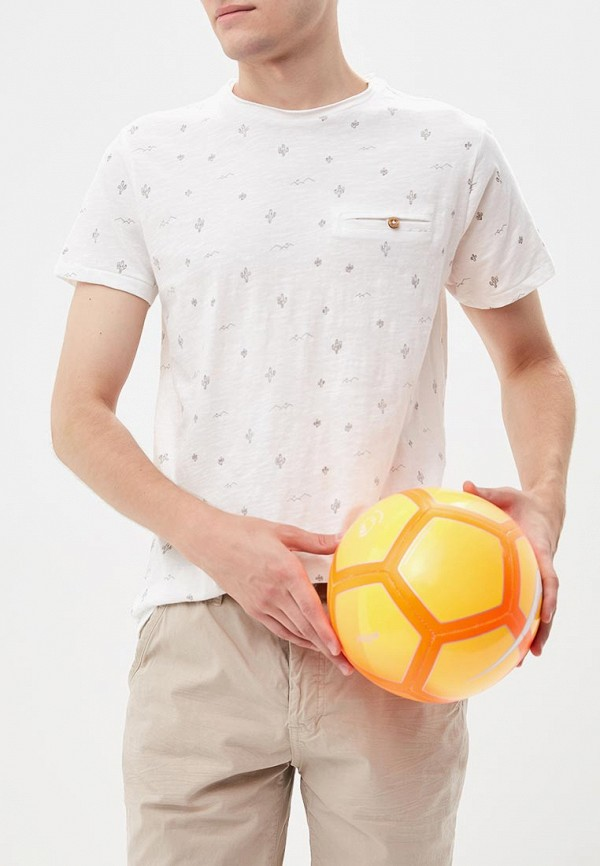 Футболка  - белый цвет