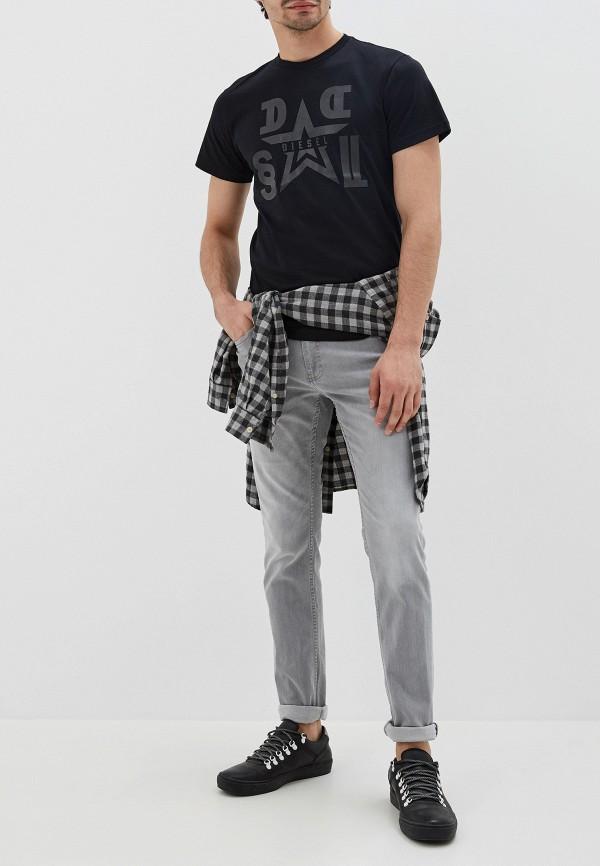 Фото 2 - Мужскую футболку Diesel черного цвета
