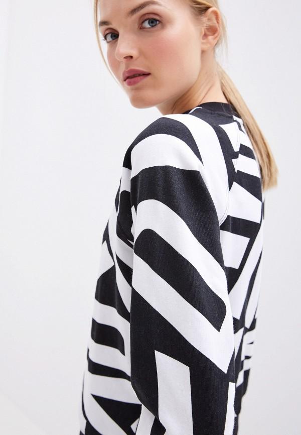Фото 4 - Свитшот DKNY белого цвета