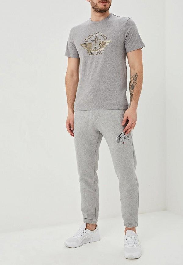 Фото 2 - мужскую футболку Dockers серого цвета
