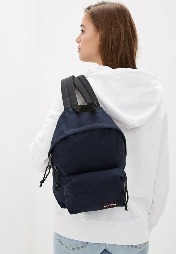 Фото 4 - мужской рюкзак Eastpak синего цвета