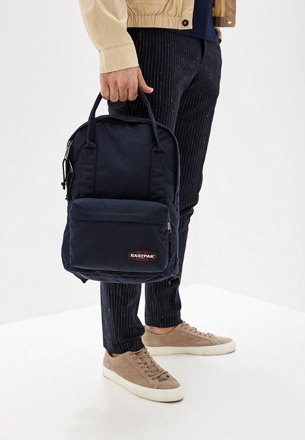 Фото 5 - мужской рюкзак Eastpak синего цвета