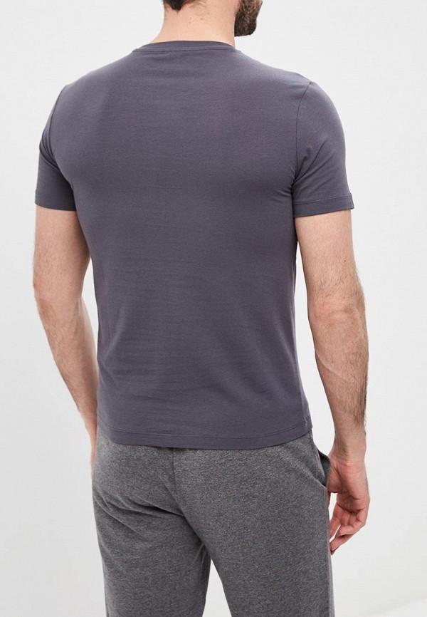 Фото 3 - мужскую футболку EA7 серого цвета