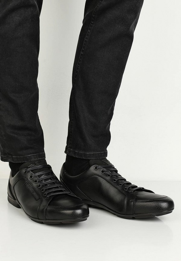 Фото 6 - мужские кроссовки Emporio Armani черного цвета