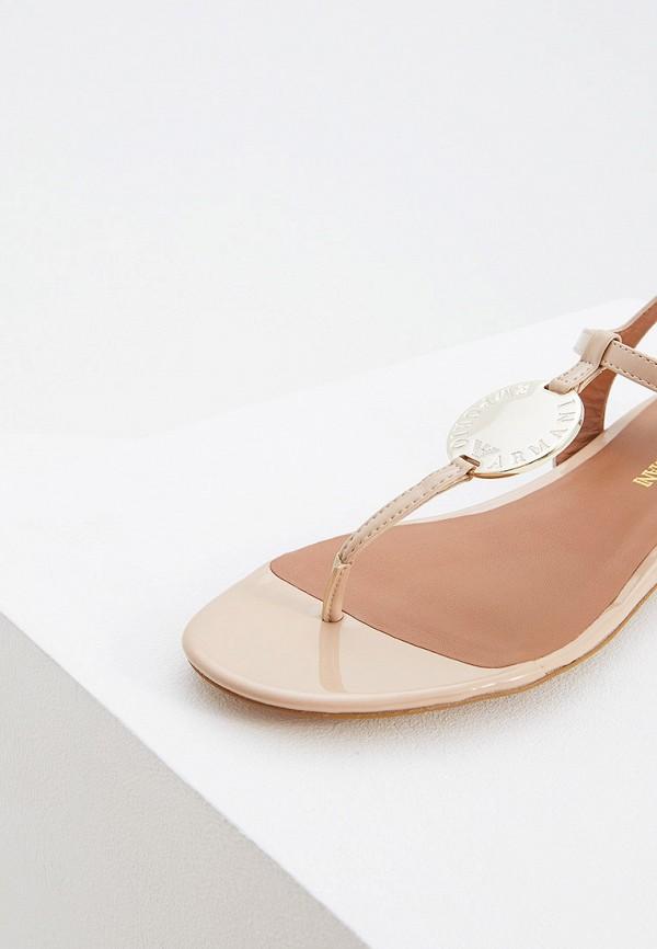 Фото 2 - женские сандали Emporio Armani бежевого цвета