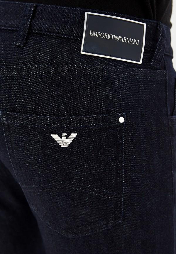 Фото 4 - мужские джинсы Emporio Armani синего цвета