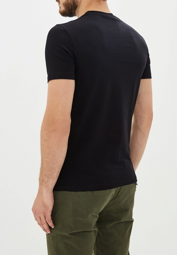 Фото 3 - мужскую футболку Emporio Armani черного цвета
