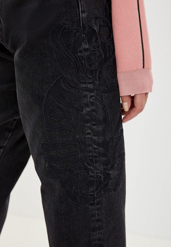 Фото 4 - женские джинсы Emporio Armani черного цвета