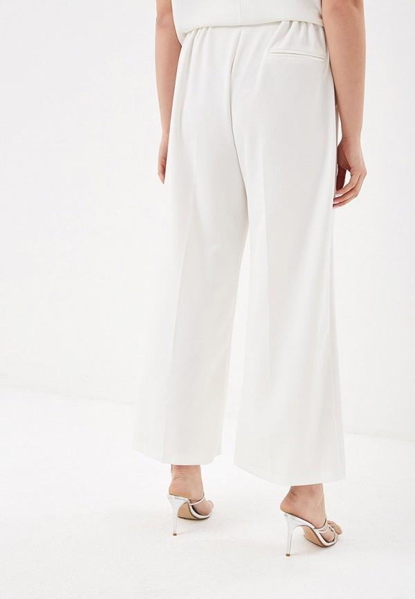 Фото 3 - женские брюки Evans белого цвета