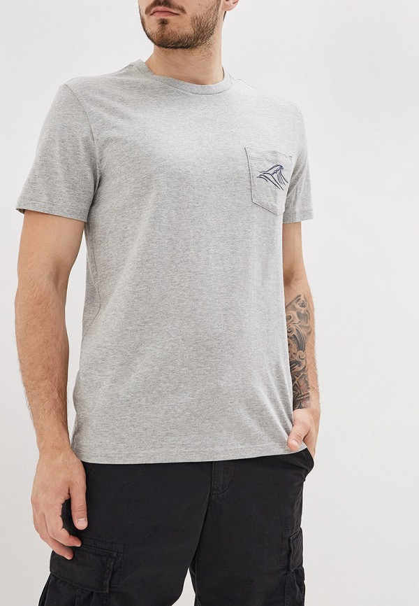 Фото - мужскую футболку Gap серого цвета