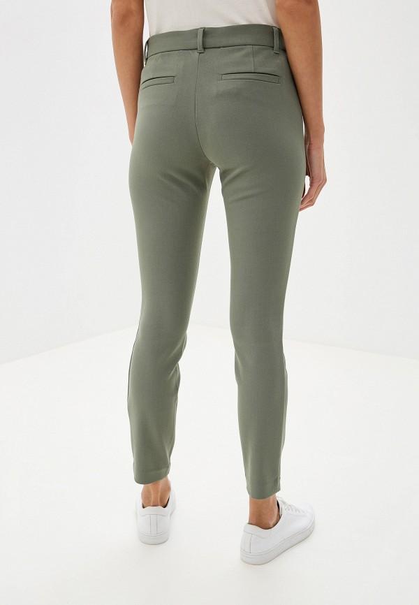 Фото 3 - женские брюки Gap цвета хаки