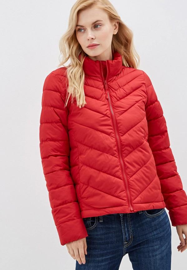 Фото - Куртку утепленная Gap красного цвета