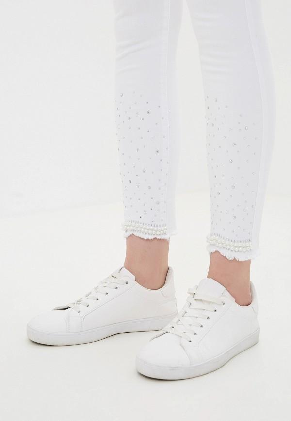 Фото 4 - Джинсы G&G белого цвета