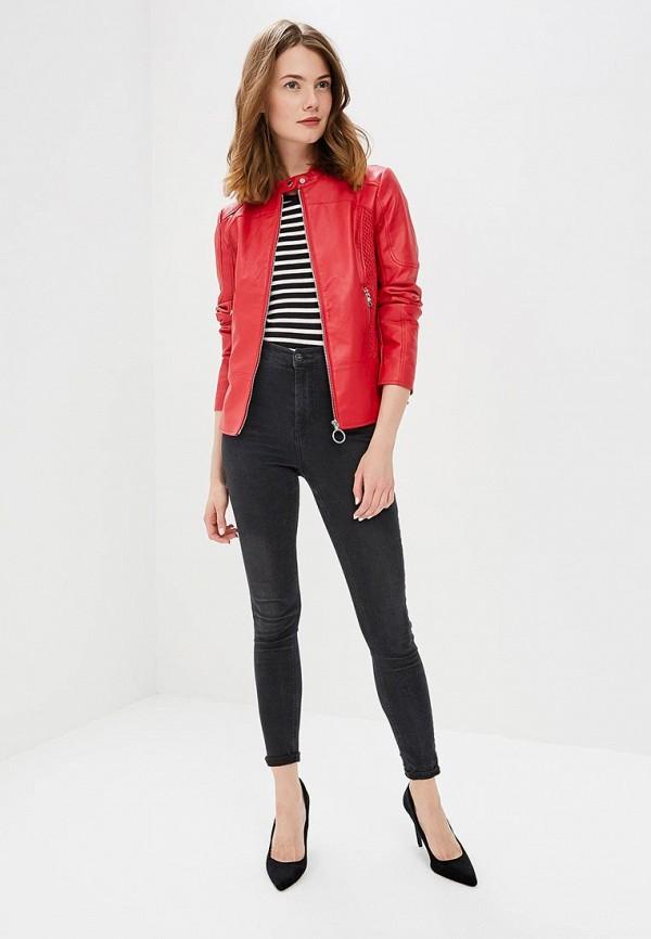 джинсы с красным пиджаком фото явным преобладанием