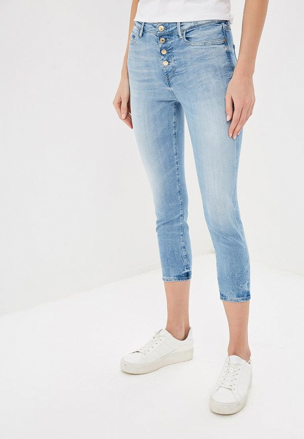 Джинсы Guess Jeans, 1981 EXPOSED BUTTON CAPRI, gu644eweasa9, голубой, Весна-лето 2019  - купить со скидкой