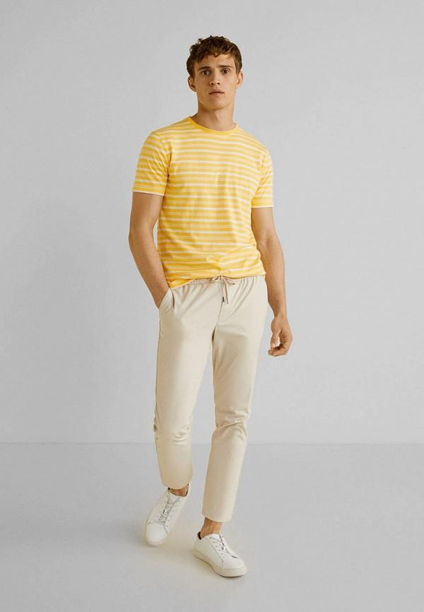 Фото 2 - мужскую футболку Mango Man желтого цвета