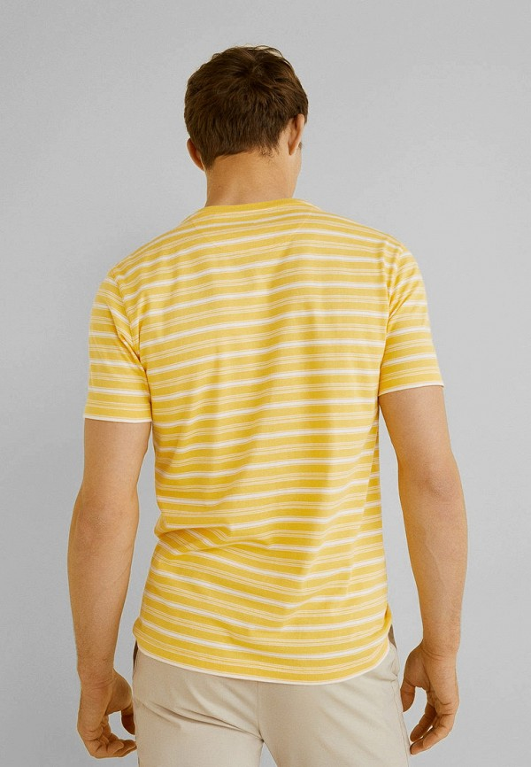 Фото 3 - мужскую футболку Mango Man желтого цвета