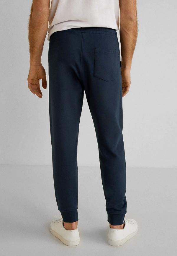 Фото 3 - Мужские спортивные брюки Mango Man синего цвета